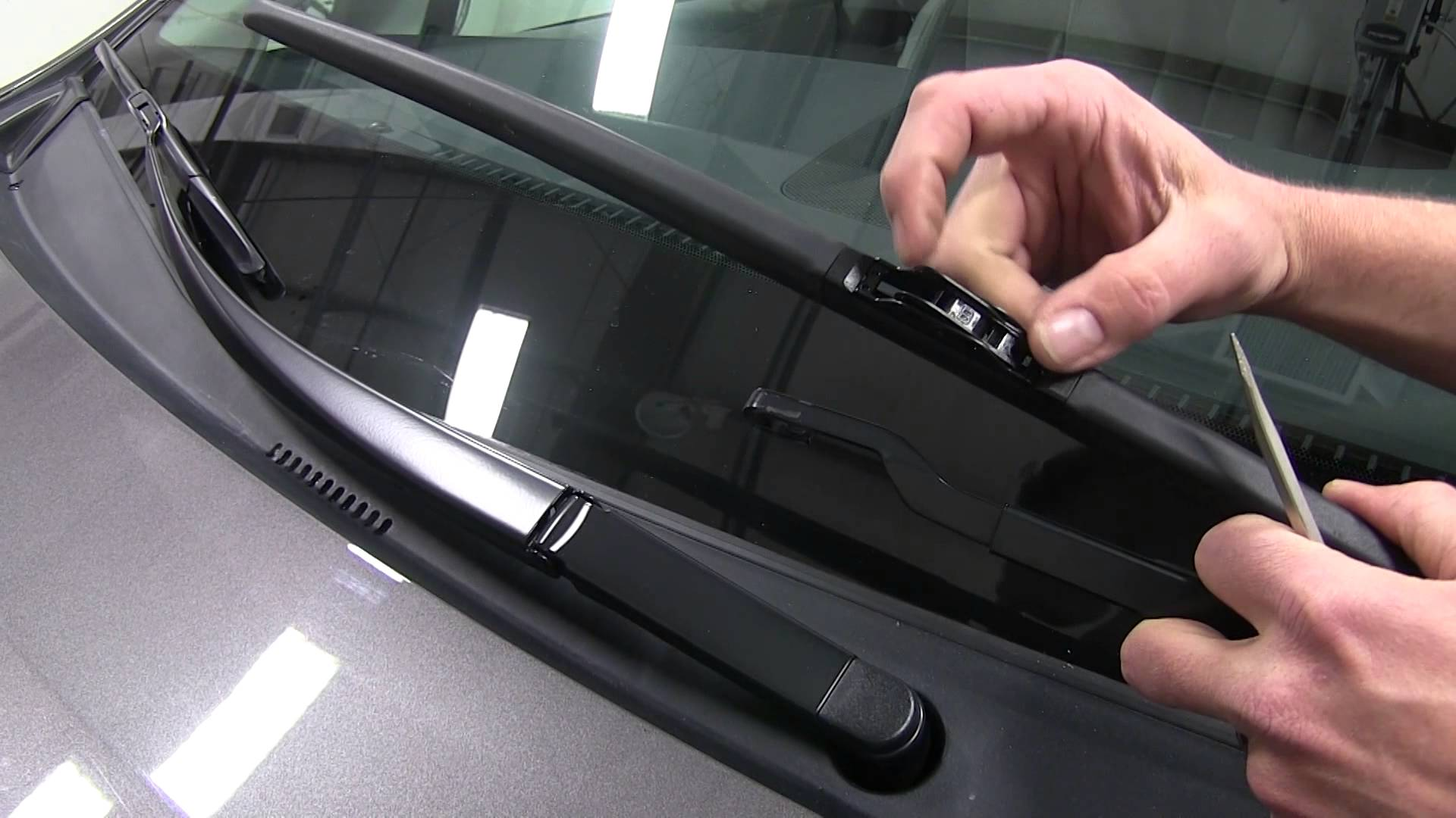 Best Practices to Stop Squeaking Windshield Wiper Blades